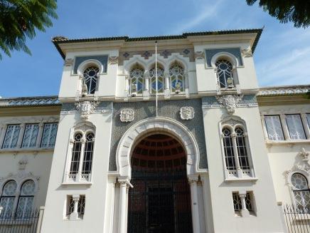 Banco de Portugal, davor flanierten zwei bewaffnete Wachleute